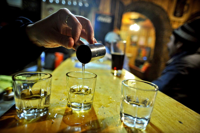 Alkohol és fogyás | Útmutató hogyan bulizzunk diéta alatt, italok kalória tartalma
