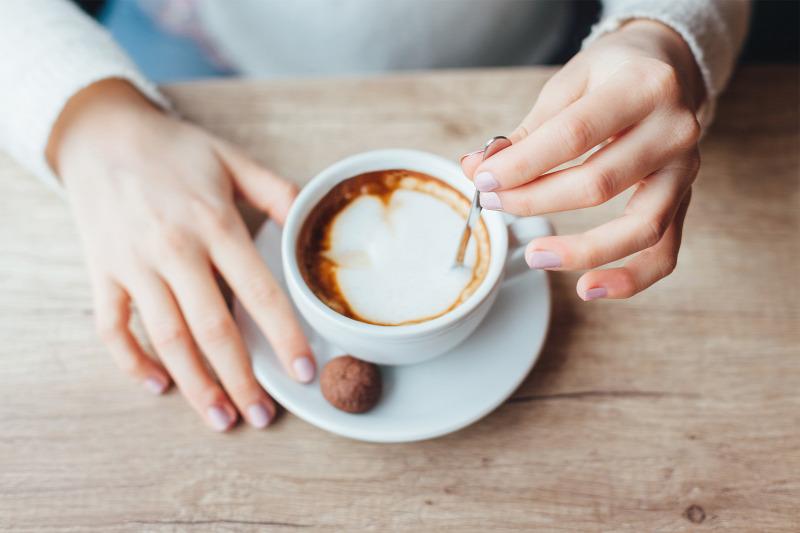 koffeinmentes kávé segíthet a fogyásban