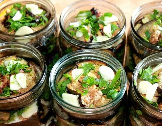 Pilaf mazsola és szárított sárgabarack. Finom édes pilaf szárított gyümölcsökkel recept fénykép.